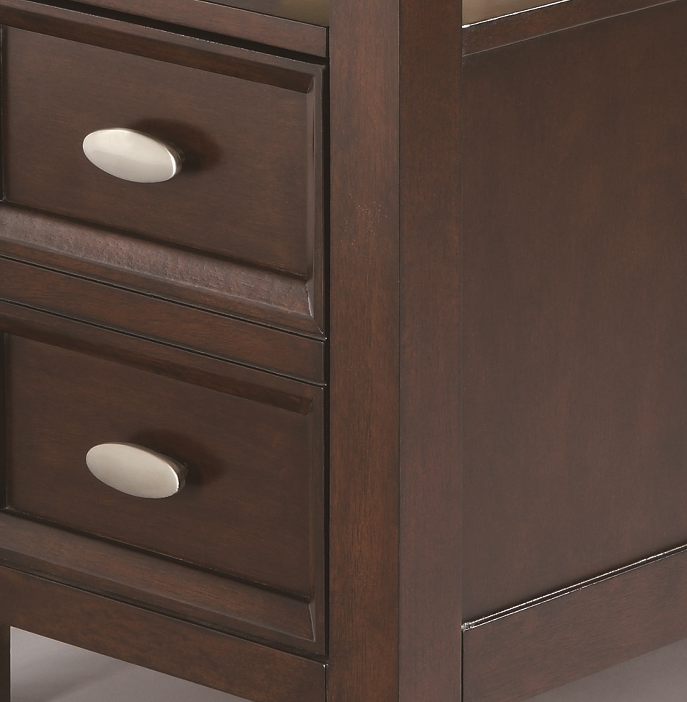 cm7204-chair-side-table-detail