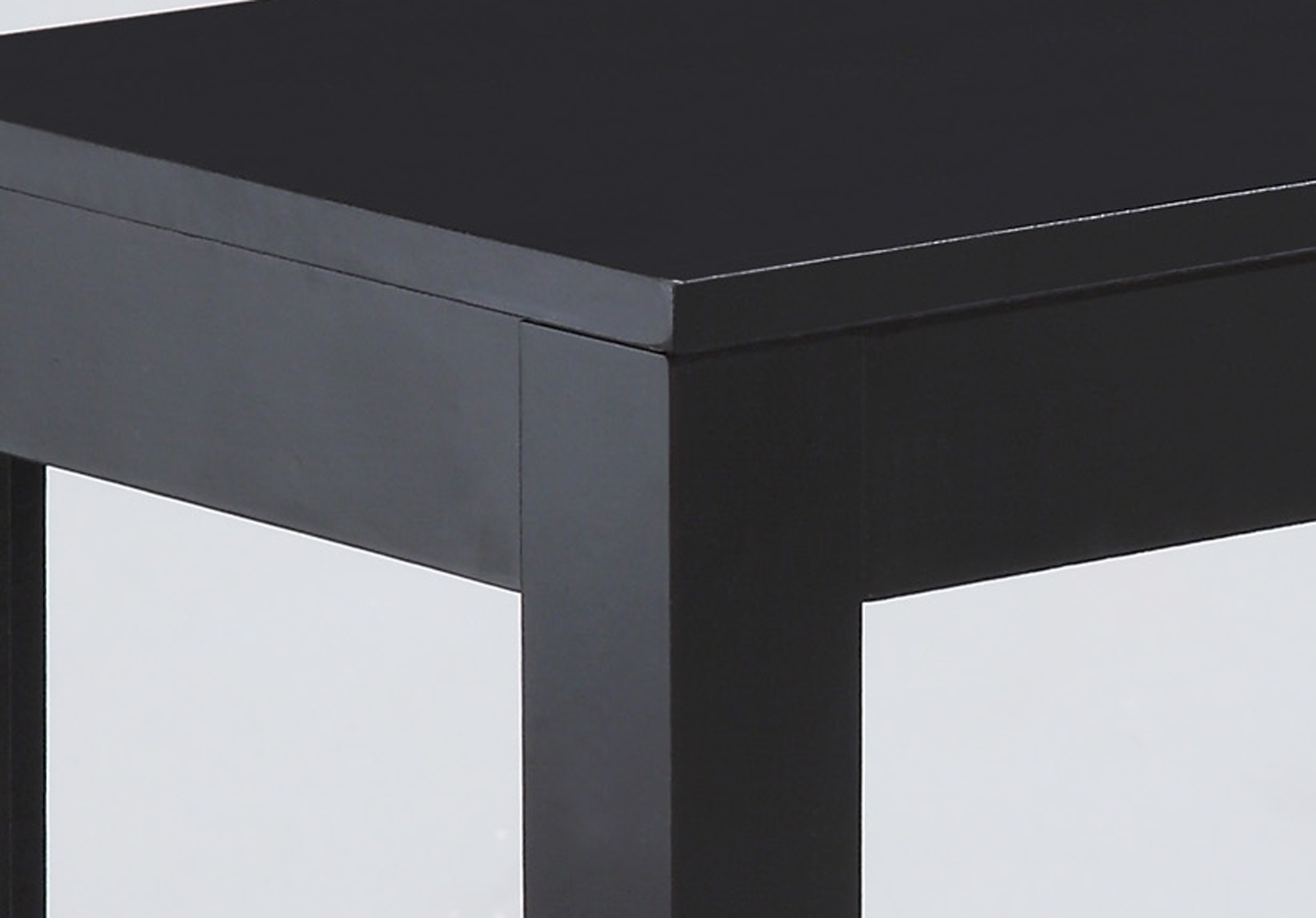 cm7710-bk-chair-side-table-detail