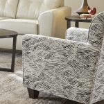 UN158BO Bizzar Onyx (Acc chair)