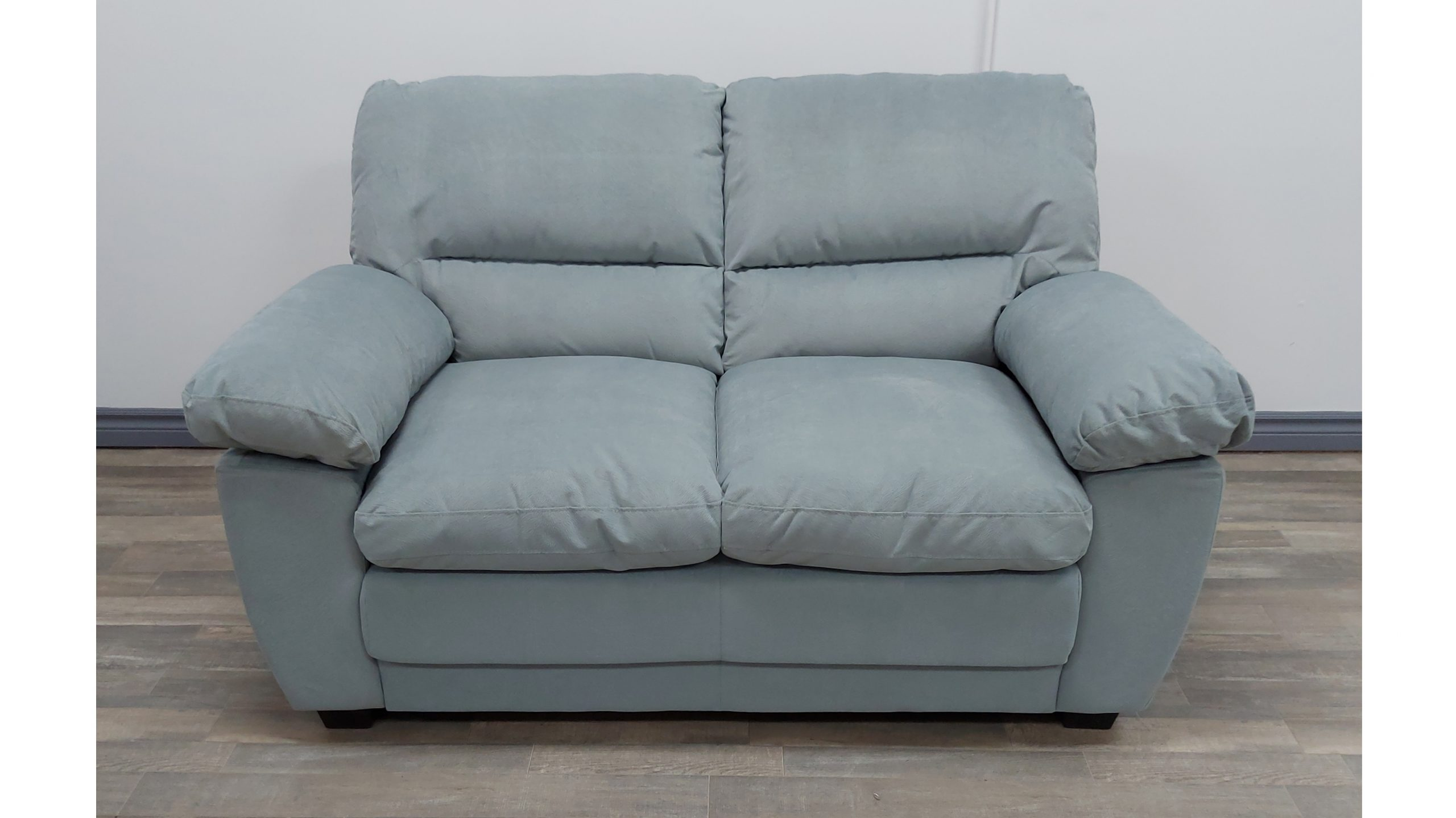 ACP-ANDRES LT GRY LOVESEAT
